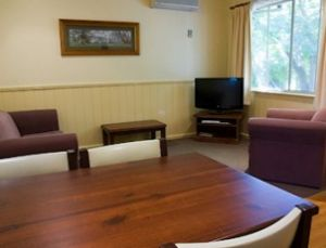 View Hill Holiday Units - Dalby Accommodation