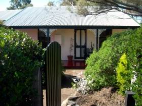 Jasmine's Cottage - Dalby Accommodation