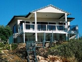 Top Deck Cliff House - Dalby Accommodation
