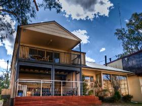 River Shack Rentals - The Manor - Dalby Accommodation
