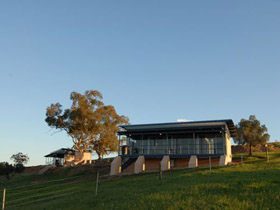 Barossa Pavilions - Dalby Accommodation