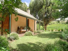 Seppeltsfield Vineyard Cottage - Dalby Accommodation