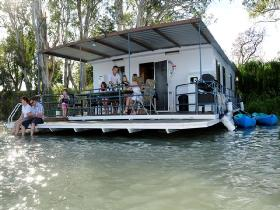 The Murray Dream Self Contained Moored Houseboat - Dalby Accommodation