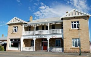 Port Elliot Beach House YHA - Dalby Accommodation
