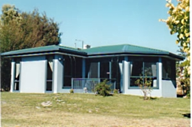 Homelea Accommodation Spa Cottage and Apartments - Dalby Accommodation