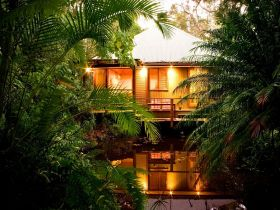 Hunchy Hideaway - Dalby Accommodation