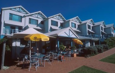 Breakers Apartments Mollymook - Dalby Accommodation