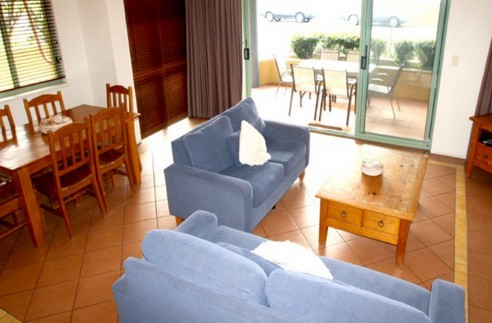 Airy Surfside Unit - Dalby Accommodation