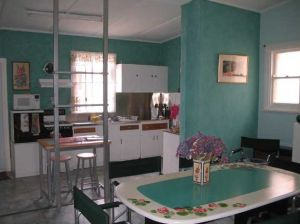Lavender and Lace Cottage - Dalby Accommodation