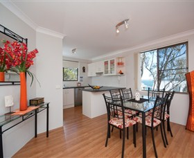 Magnus Street Treetops - Dalby Accommodation