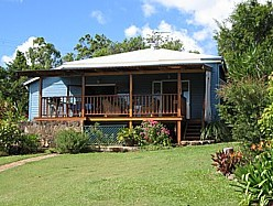 Blue House Family Accommodation - Dalby Accommodation