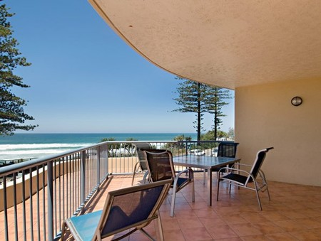 Coolum Baywatch Resort - Dalby Accommodation