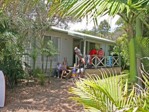 One Mile Beach Holiday Park - Dalby Accommodation