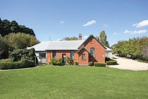 Woodend Old School House Bed and Breakfast - Dalby Accommodation
