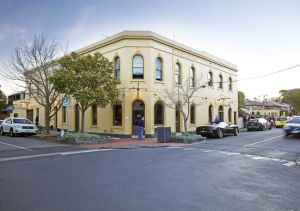 College Lawn Hotel - Dalby Accommodation