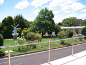 Golden Chain Beachway Motel and Restaurant - Dalby Accommodation