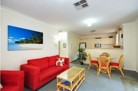 Beaches Serviced Apartments - Dalby Accommodation
