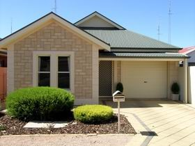 Kadina Luxury Villas - Dalby Accommodation