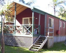 A Paradise Park Cabins - Dalby Accommodation