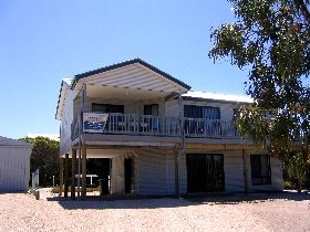 Acacia Beach House - Dalby Accommodation