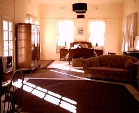 Old Parkes Convent - Dalby Accommodation