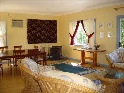 Euroka Homestead And Farm Cottage - Dalby Accommodation