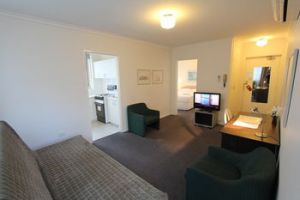 Drummond Apartments Services - Dalby Accommodation