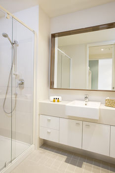 Melbourne Short Stay Apartments on Whiteman - Dalby Accommodation