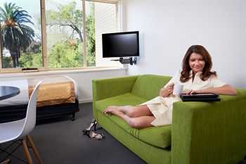 City Edge Serviced Apartments East Melbourne - Dalby Accommodation