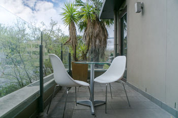 Comfy Kew Apartments - Dalby Accommodation