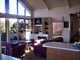 The Beach House - Freycinet - Dalby Accommodation