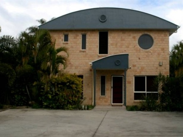 Beach House Redcliffe - Dalby Accommodation