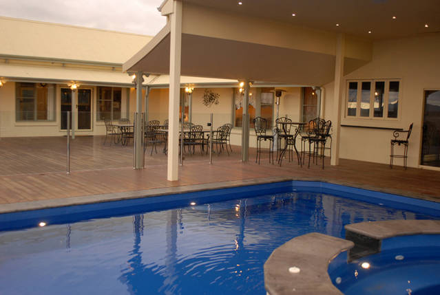 Ledcourt Waters - Dalby Accommodation
