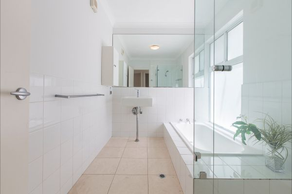 Cottesloe Beach House 2 - Dalby Accommodation