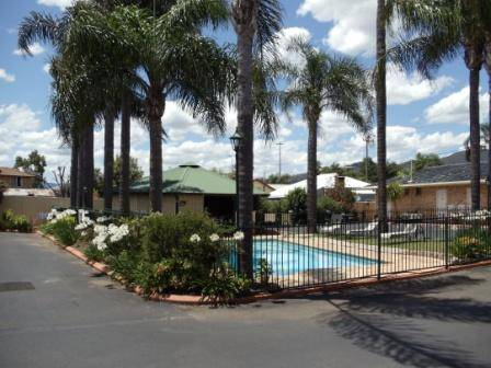 Town  Country Motor Inn Tamworth - Dalby Accommodation