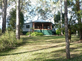 Bushland Cottages and Lodge Yungaburra - Dalby Accommodation