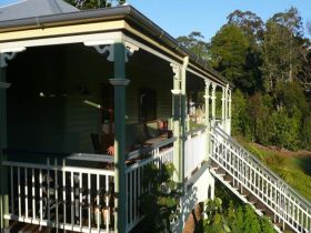 The Sanctuary Springbrook. Guest House / Cottage - Dalby Accommodation