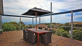 Coral Sands Seaview Beach House - Dalby Accommodation