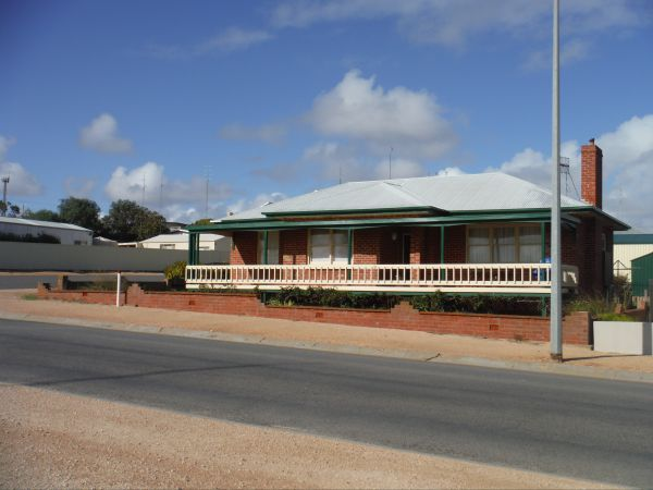 Sea Crest - Dalby Accommodation