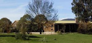 Merrijig Lodge - Dalby Accommodation