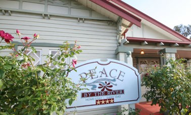 Peace By The River Homestay - Dalby Accommodation