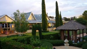 Berri Bed and Breakfast - Dalby Accommodation