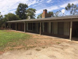 Coonara Farm Stay - Dalby Accommodation