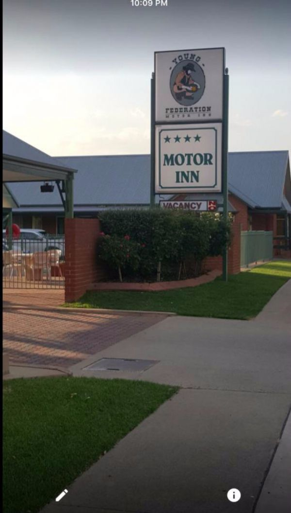Federation Motor Inn Young - Dalby Accommodation