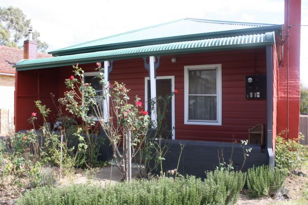 The Red House - Dalby Accommodation
