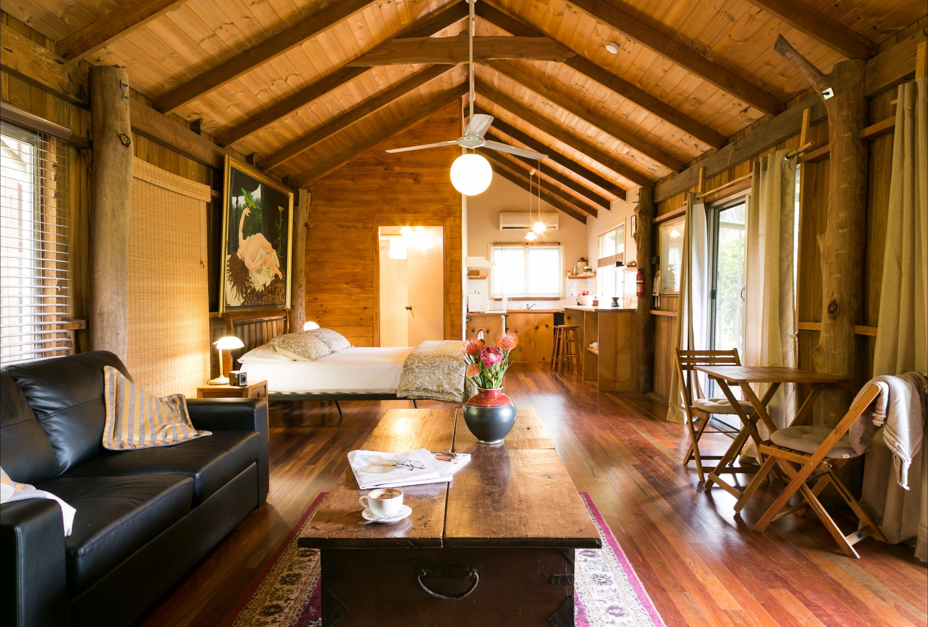 Mavis's Kitchen and Cabins - Dalby Accommodation