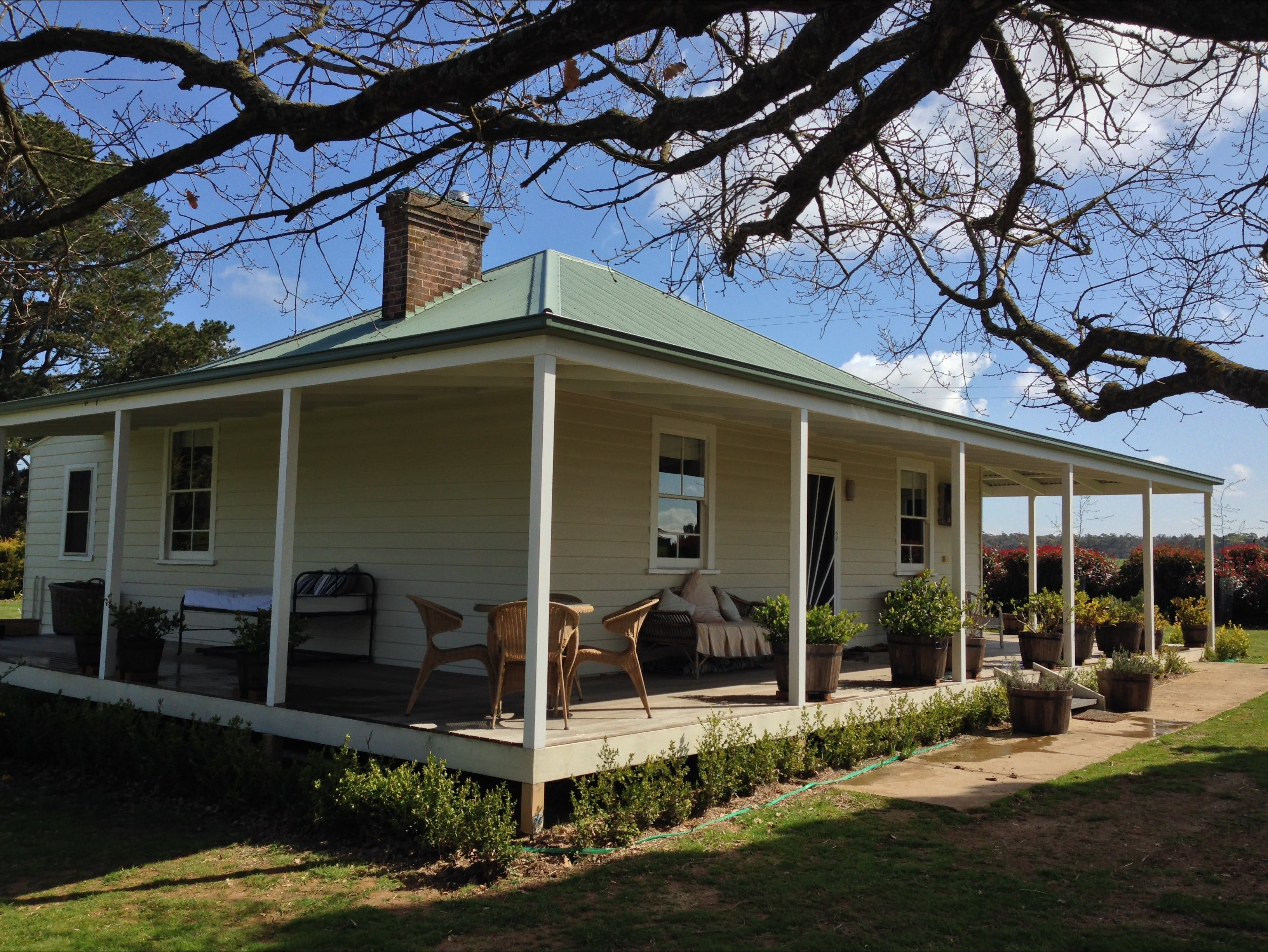 Crookwell Farmhouse - Dalby Accommodation