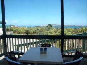 Elliston Waterloo Bay Tourist Park - Dalby Accommodation