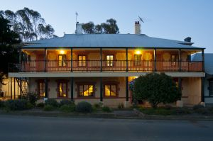 The Coffee Palace - Dalby Accommodation