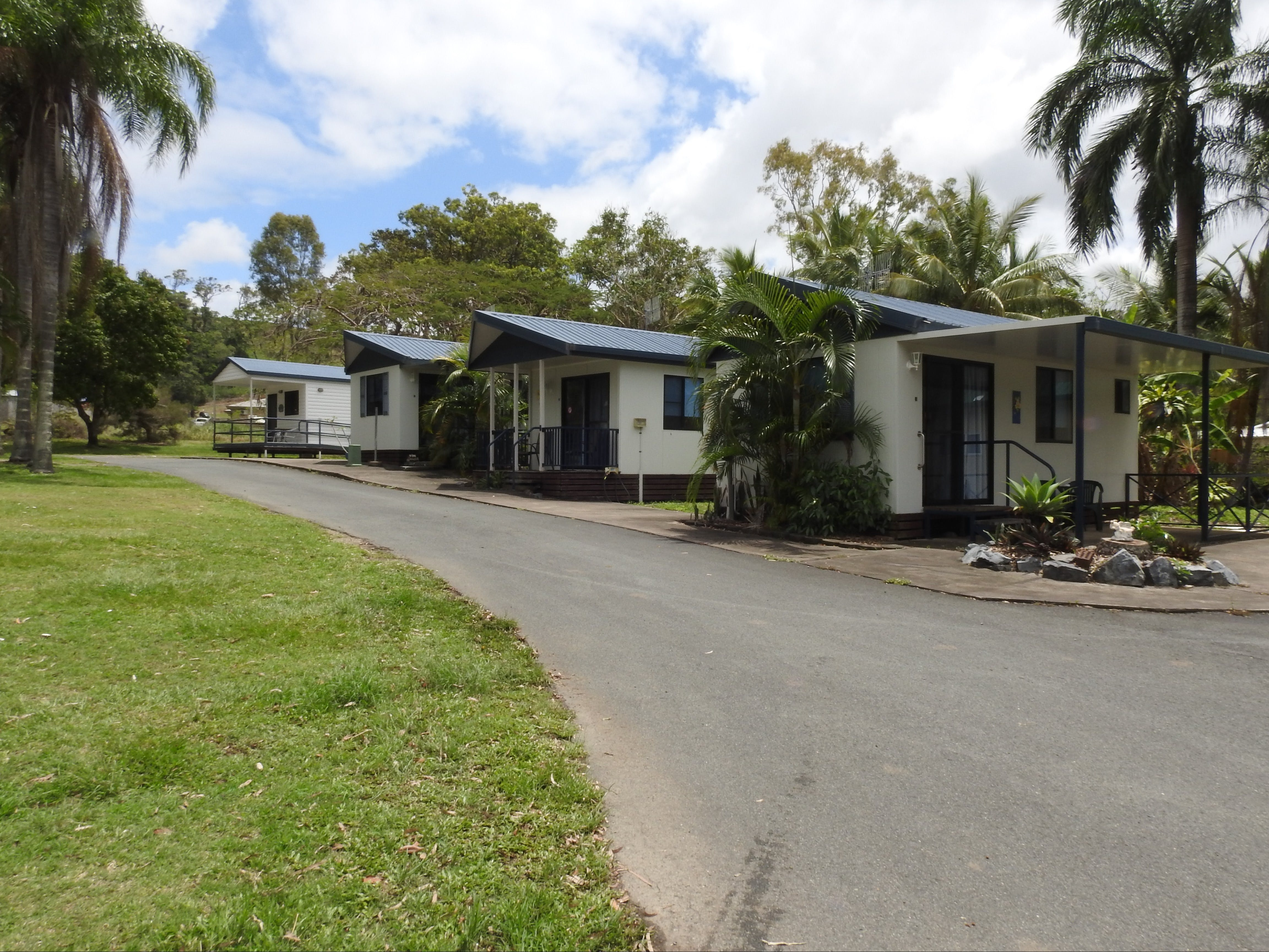 Tropicana Caravan Park Sarina - Dalby Accommodation